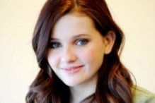 """Эбигейл Бреслин станет """"Последней девушкой""""; пополнение в """"Кэрри""""; фичуретка о создании """"Пираньи 3D"""""""