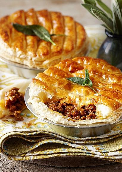 Пирог с индейкой, шалфеем и перцем